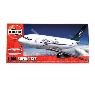 BOEING 737 1:144